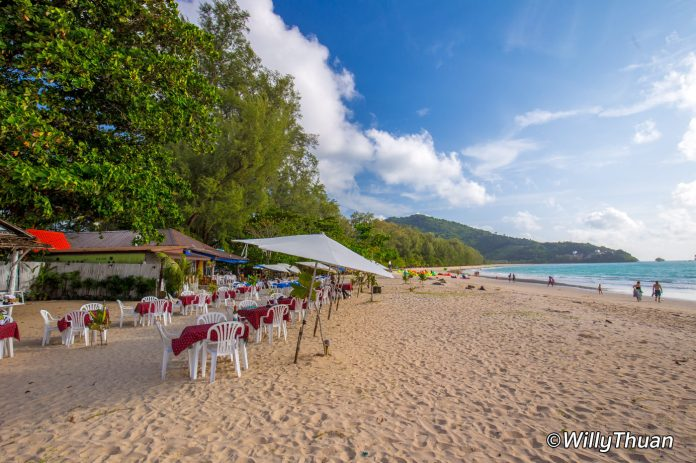 A beach restaurant on Nai Yang Beach