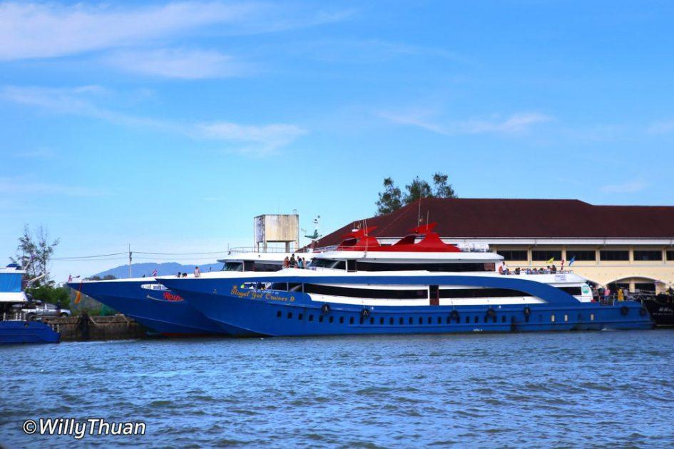 Ferries to Phi Phi Island
