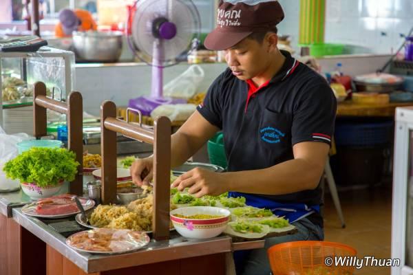 Lock Tien Food Court in Phuket Town – ลกเที้ยน ศูนย์รวมอาหารพื้นเมืองภูเก็ต