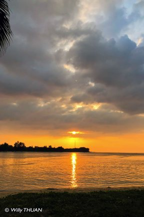 thanoon-seafood-sunset