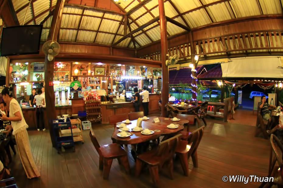 pak-nam-seafood-restaurant