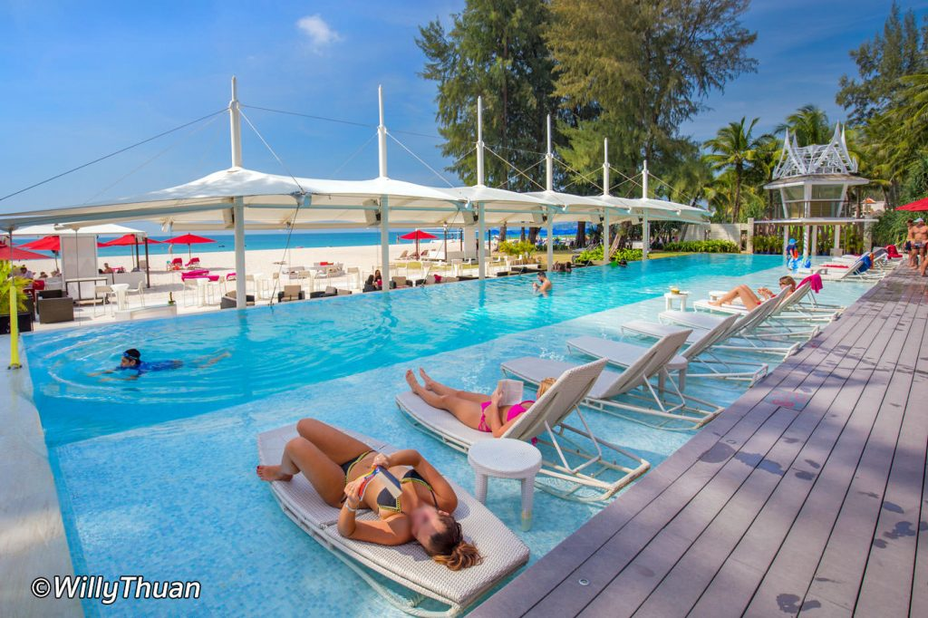 Xana Beach Club in Bangtao Beach