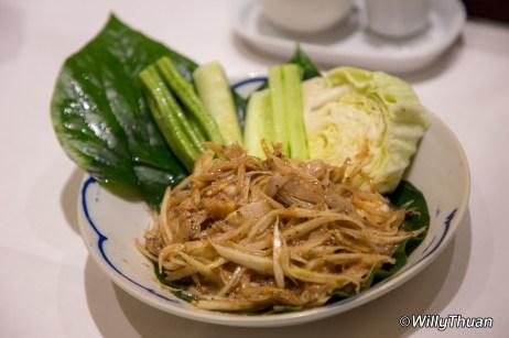 Som Tum Koey (Papaya Salad with shrimp paste)