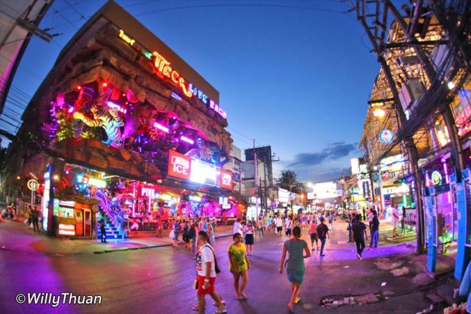 Bangla Road Walking Street