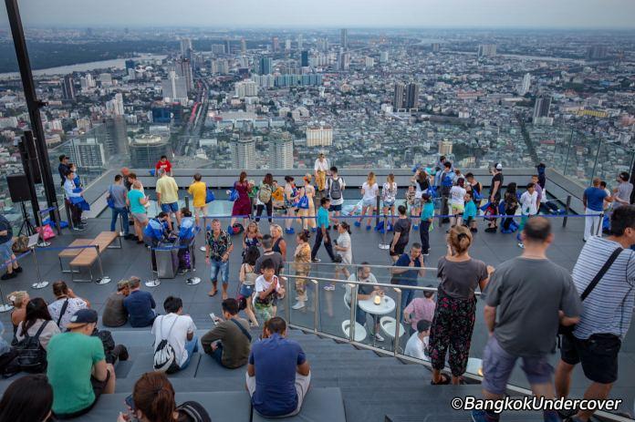 mahanakorn-skywalk-view