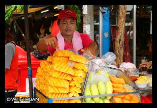 thai-fruits-at-chatuchak-market