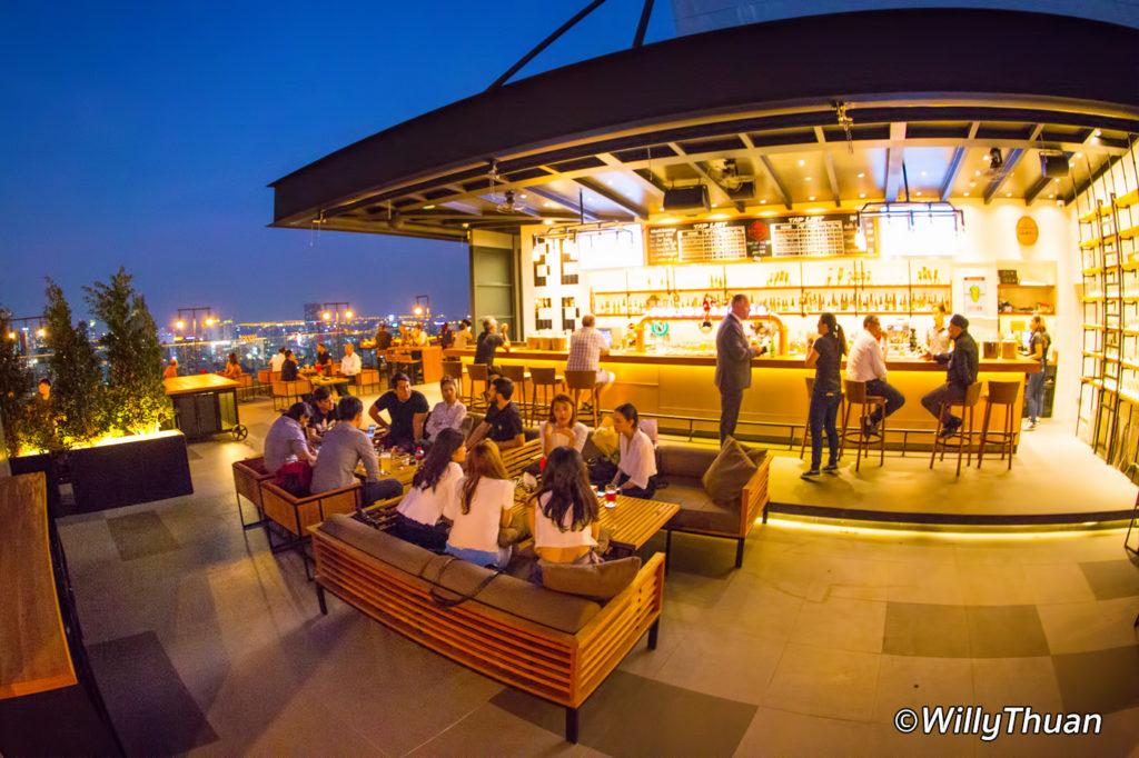 Brewski Rooftop Bar at Radisson Blu