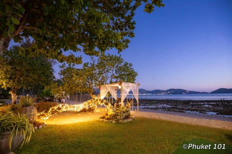 thavorn-beach-village-romantic-dinner-4