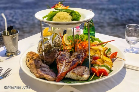 thavorn-beach-village-romantic-dinner-7