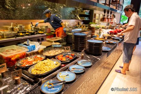indigo-hotel-phuket-breakfast-buffet