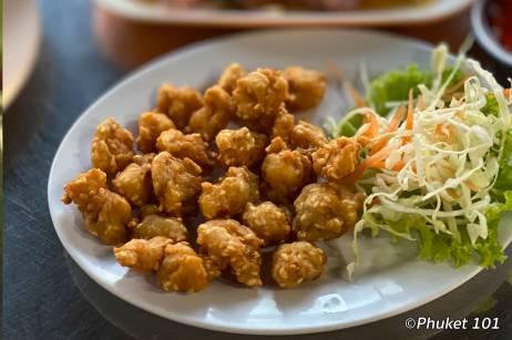 kor-jaan-market-chicken