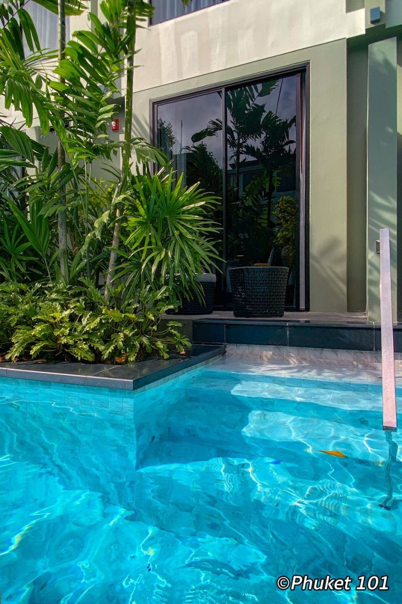 four-points-sheraton-phuket-pool-access-room-1