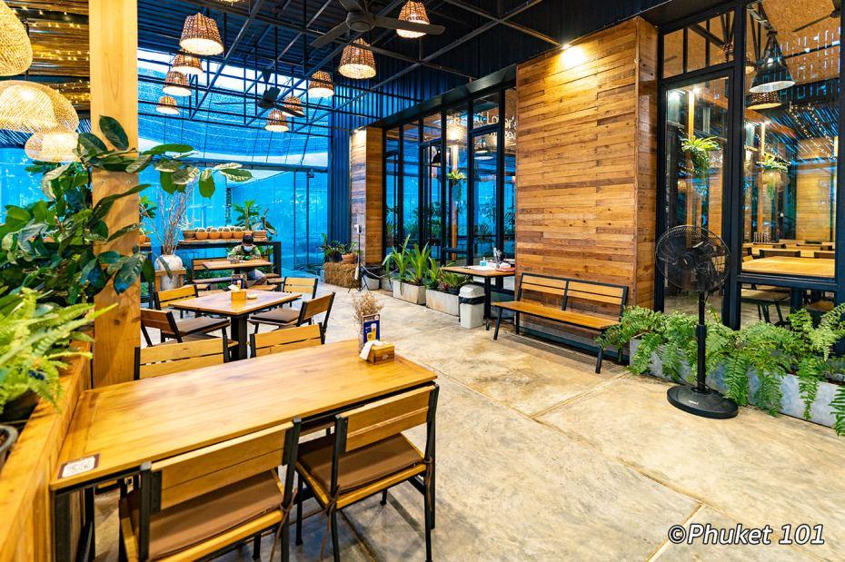 we-cafe-restaurant-phuket-1