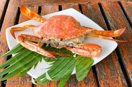 kan-eang-at-pier-blue-crab
