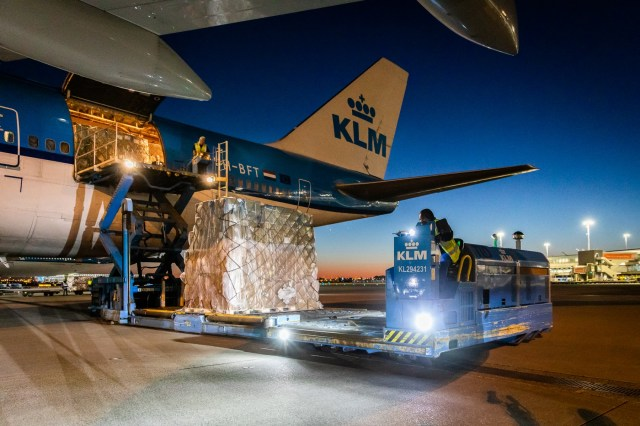 luchtbrug - 20 april 2020 SPL KLM__MG_1020_NL