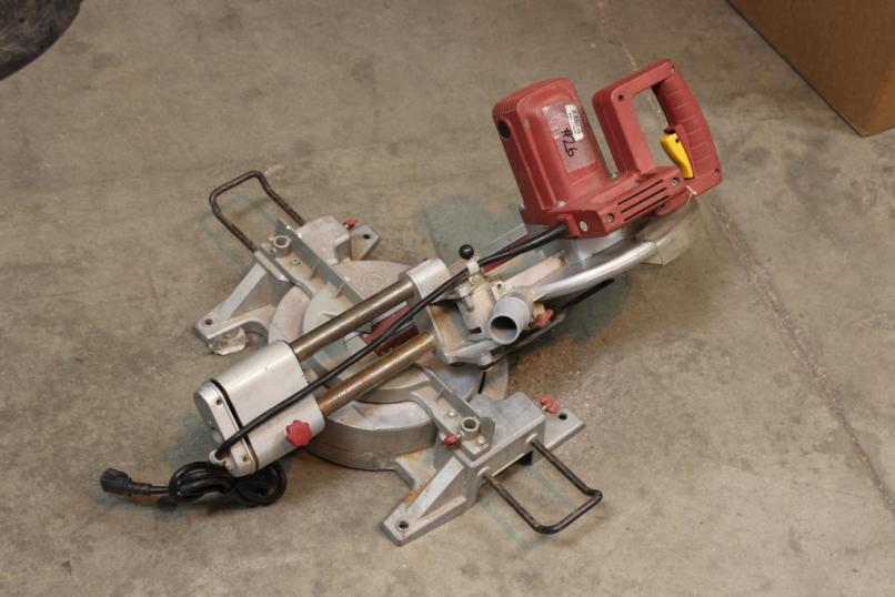 Chicago Electric 98199 10 In Compound Miter Saw