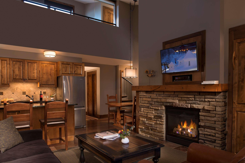 Contact teton mountain lodge in teton village, with weddings starting at $6423 for 50 guests. Teton Mountain Lodge And Spa A Noble House Resort Ab 447 Resorts In Teton Village Kayak