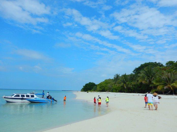 10 Tempat Wisata Di Kalimantan Yang Menarik Dan Sangat Indah