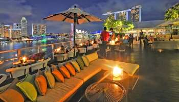 rooftop bars with a view in Singapore