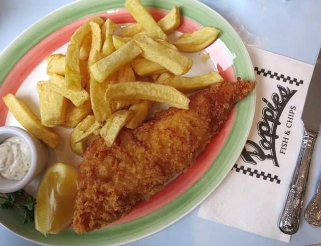 © Elena de Astorza - O melhor fish and chips é no Poppies