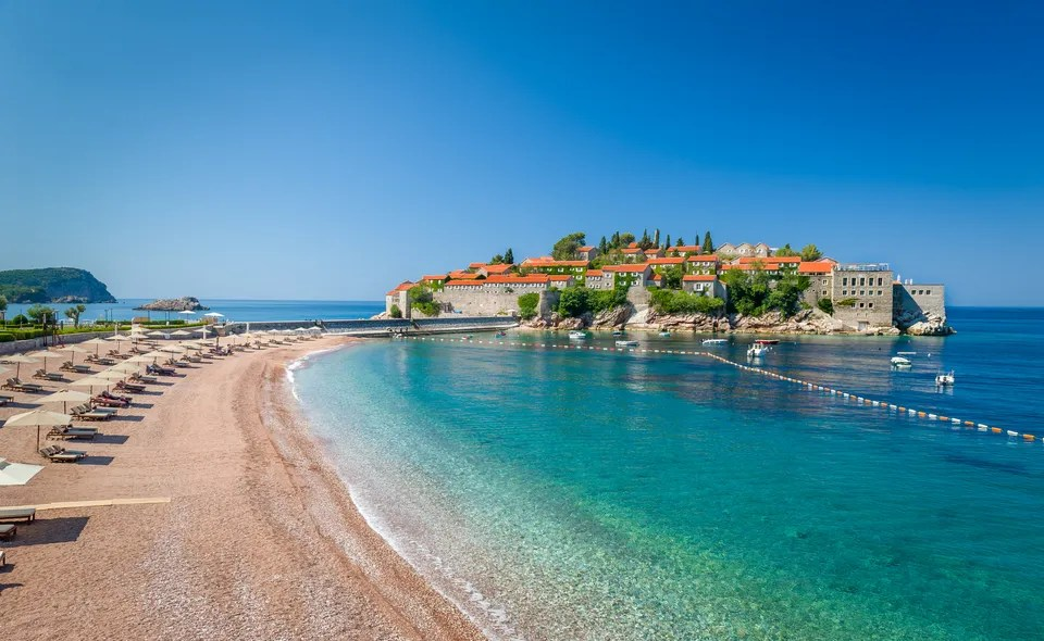 Sveti Stefan Island i Montenegro