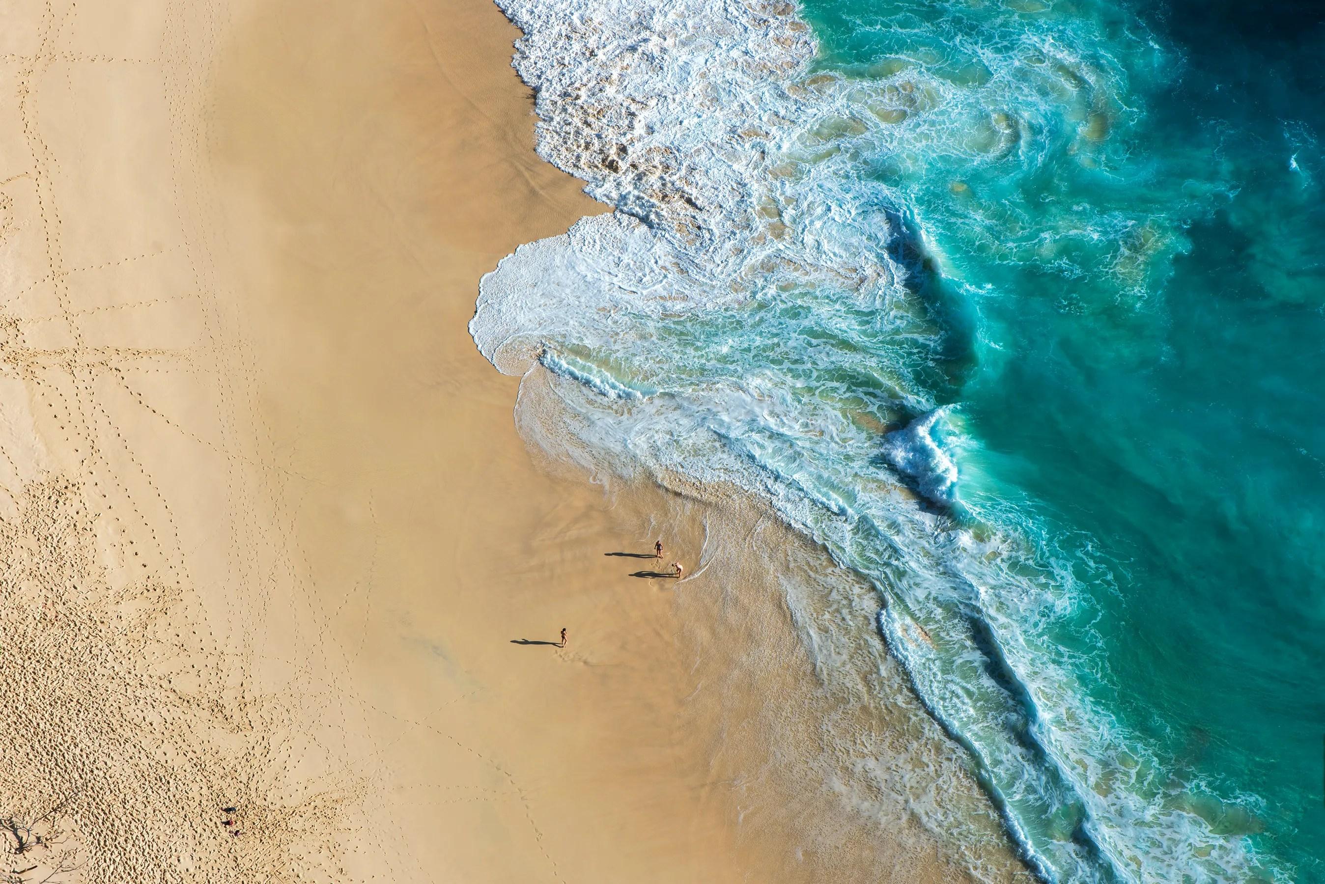 Missä Aasiassa mennä talvella merelle. Tropical Karang Dava Beach (Karang Dawa) Manta Bay Bay (Manta Bay), Bali, Indonesia