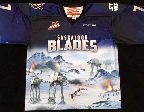 https://i1.wp.com/content.sportslogos.net/news/2015/11/Blades-Star-Wars-Jersey.jpg?resize=500%2C390