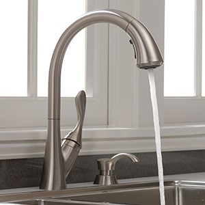 delta ashton stainless 1 handle deck mount pull down handle kitchen faucet deck plate included
