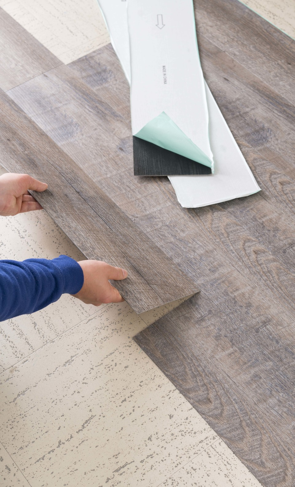 style selections driftwood wide thick waterproof peel and stick 1 5 sq ft