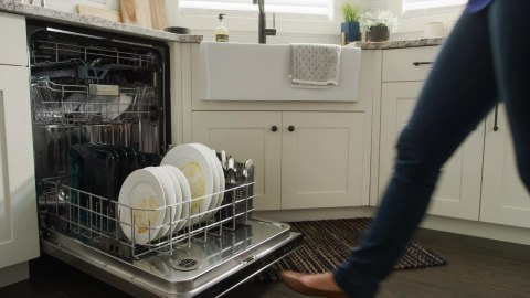 maytag top control powerful dishwasher with third rack