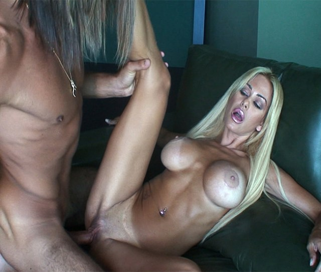 Ever Seeking Attention Shauna Sand Has Finally Found Her Calling In The Shauna Sand Sex Tape Look Whos The Renegade Now Lorenzo