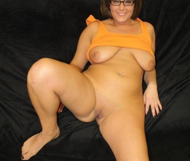 Very Hot Milf In A Yellow Vest And Glasses Gets Naked To Get Assfucked Badly