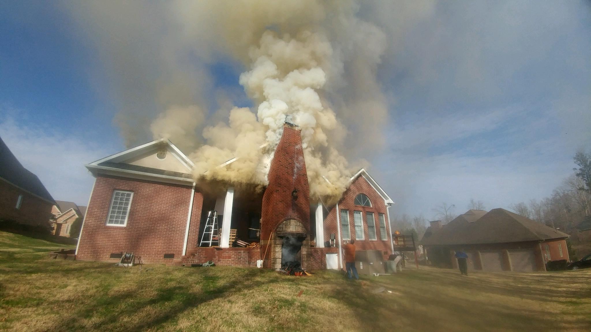 Wbir Com Crews Fight House Fire On Oak Chase Blvd In