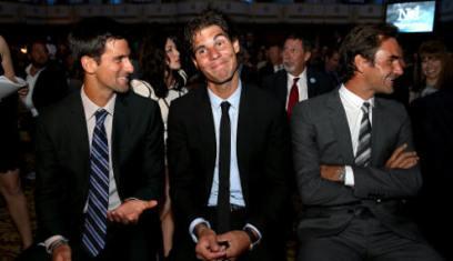 Roger Federer through as Wimbledon 2018 hots up