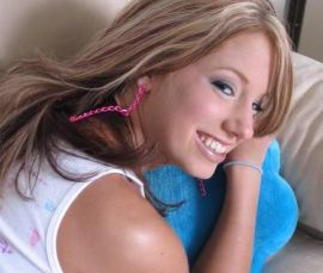 Kelli Sexy On The Couch