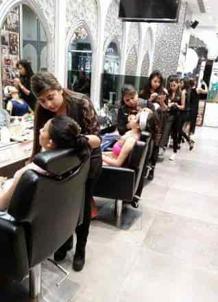Aashmeen Munjaals Star Hair And Makeup Academy Photos Pusa Road