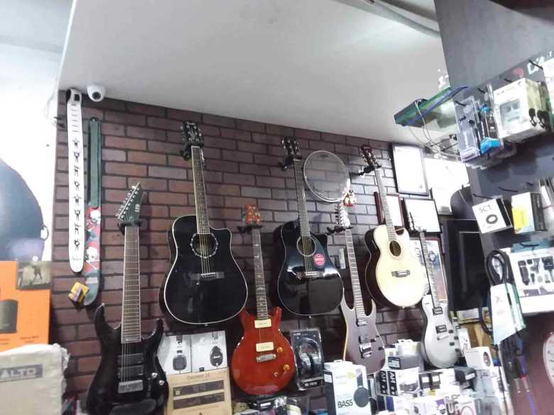 guitarwala, gomti nagar - musical instrument dealers in lucknow