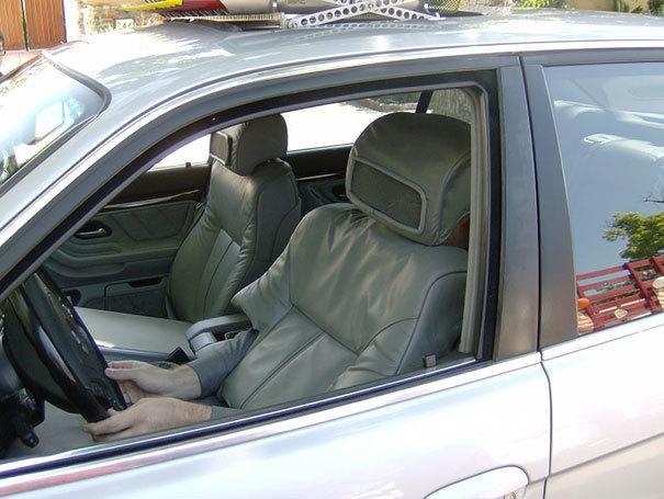 Kļūstiet par savas mīļotās sievietes automašīnas sēdekli un izbaudiet mirkli..