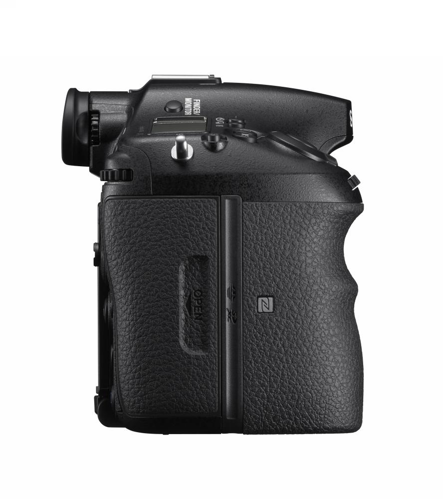 Sony laiž klajā jaunu  ɑ A-bajonetes fotokameru ɑ99 II