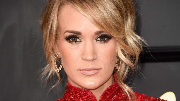 Wegen ihrer Gesichts-Narbe: Carrie Underwood hat Albträume ...