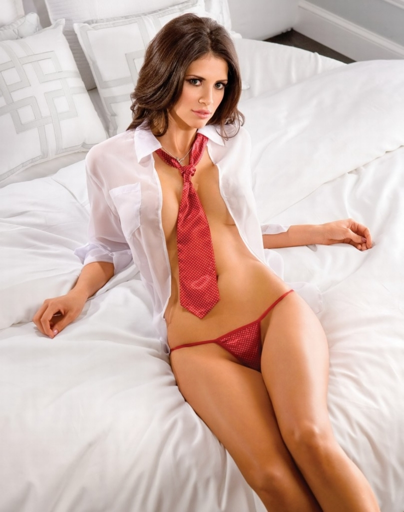 Gorgeous Brunette Hope Dworaczyk 16