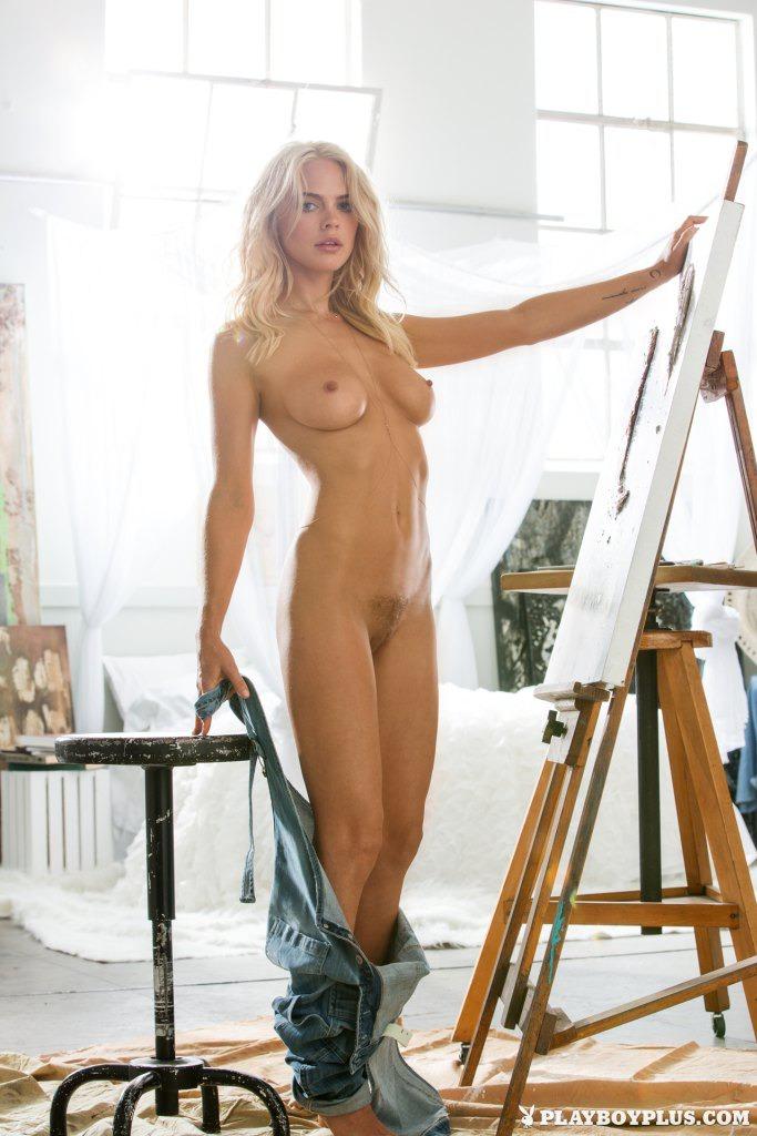 Gorgeous Rachel Harris  11
