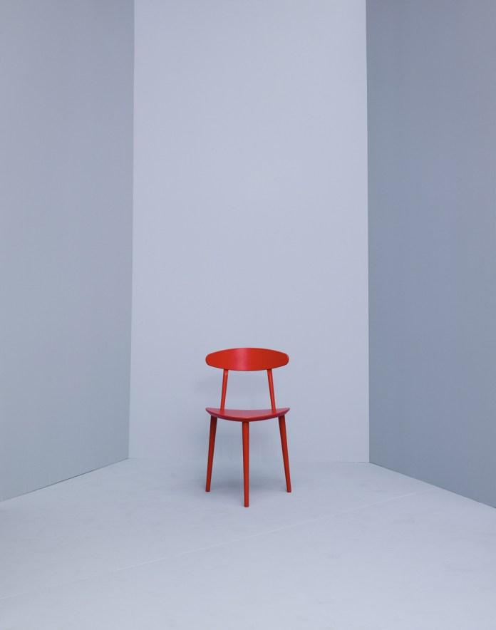 Hay tripod chair