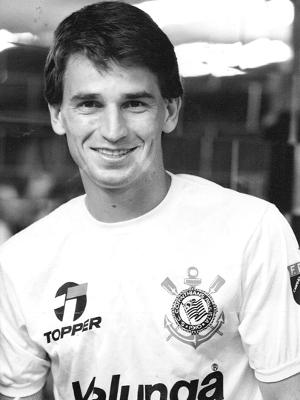 Giba é outro que foi peça importante na conquista do título brasileiro de 1990, mas não estará na festa