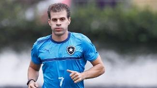 Túlio Maravilha treinou pela primeira vez em seu retorno ao Botafogo