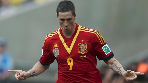 Fernando Torres comemora o primeiro gol do jogo