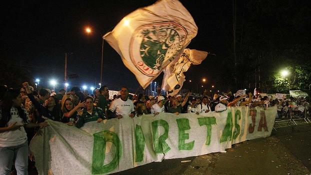 Torcedores pedem eleições diretas no<br /><br /><br /><br /><br />  Palmeiras