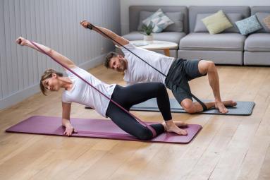 皮拉提斯|一條彈力帶讓你練全身!圖解基本練習教學 | 迪卡儂運動誌