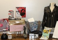 Bauer Magazine Woman World Home For The Holidays Gift Bag Sweepstakes