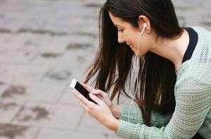 woman using a cell phone